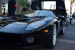 Czarny sportowy samochód